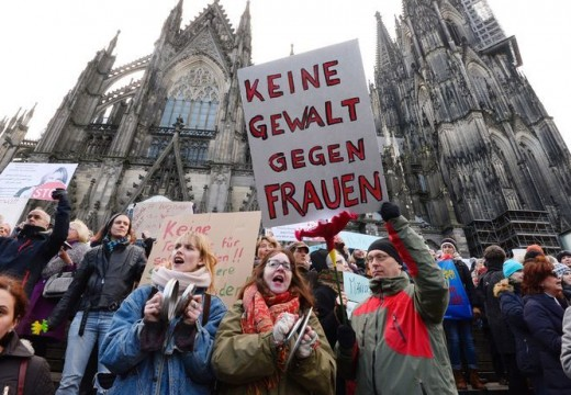 Itt a válasz a szilveszteri erőszakra: kiutasítanák a bűnelkövető menekülteket