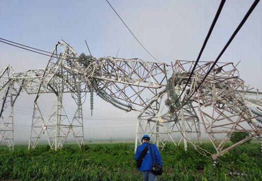 Áram nélkül Szászrégen és környéke a vasárnapi vihar miatt