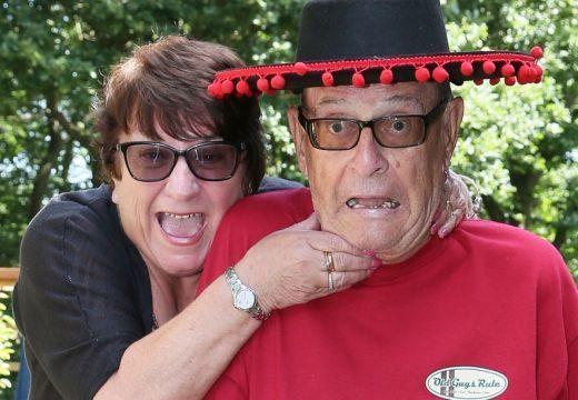 Drágám!? A 80 éves bácsi a reptéren felejtette a feleségét a nyaralás előtt