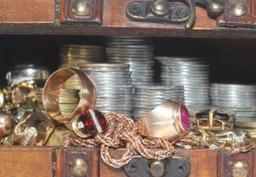 Padlójavítás közben találták meg II. Ulászló mesés kincseit Pannonhalmán