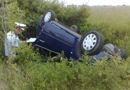 Felborult egy gépkocsi Gyulakutánál