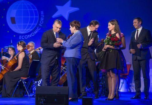 Orbán Viktor kapta Az év embere díjat