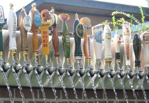 Megnyitották Európa első sörszökőkútját