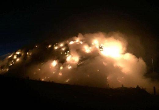 Tűz! Faanyag és munkagépek lángokban Gyergyócsomafalván