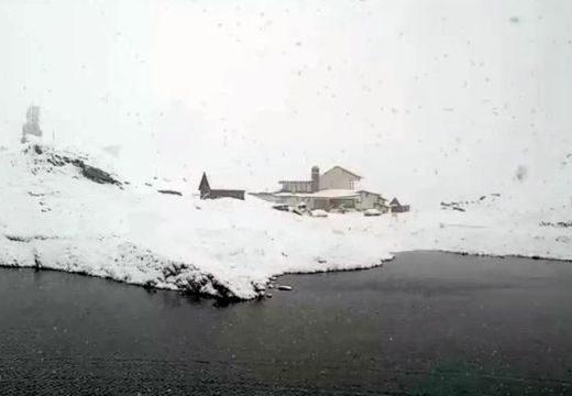 Már 14 centis hó a a Fogarasi-havasokban
