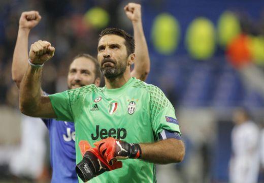 Bajnokok Ligája: Tíz emberrel nyert a Juve