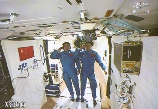 A kínaiak már az űrállomáson vannak