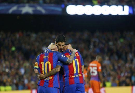 Messi hármat rúgott a Citynek