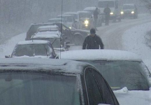 Hóvihar miatt korlátozták a gépkocsi-forgalmat a Transalpinán