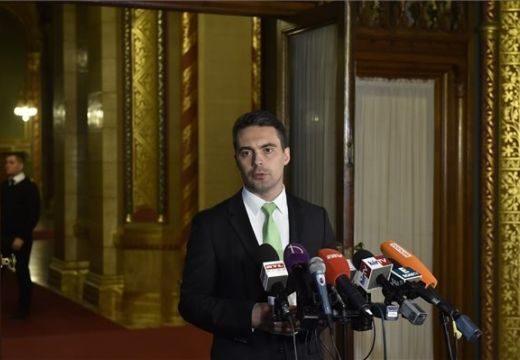 Vona egy feltétellel támogatja Orbán alkotmánymódosítását