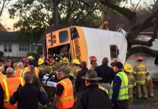 Gyerekek haltak meg a buszbalesetben