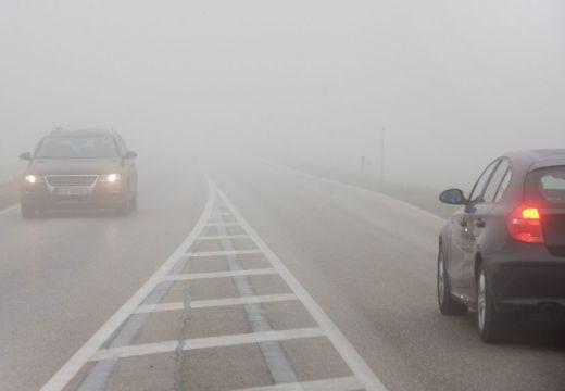 Autósok, figyelem! Nowcasting-figyelmeztetés köd miatt Maros megyében!
