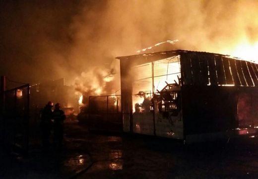 Hét órán át küzdöttek a lángokkal Gyergyócsomafalván: százezer lejnél is több a kár!