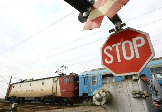 Baleset a szederjesi átkelőnél: állt a vasúti és közúti forgalom is