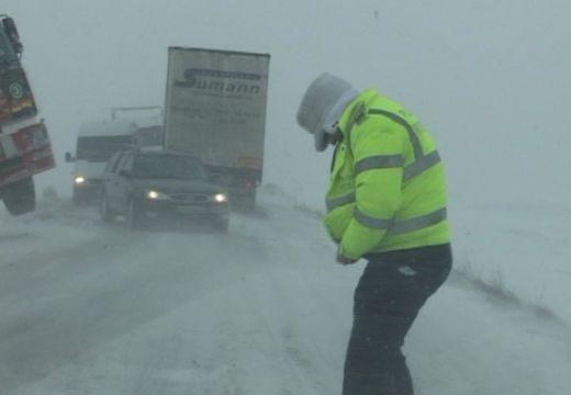 Riasztás hóvihar miatt a székelyföldi megyékben