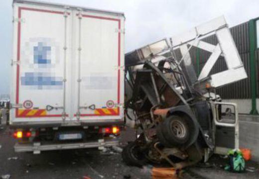 Gyerekeket szállító magyar busz balesetezett Olaszországban, többen meghaltak