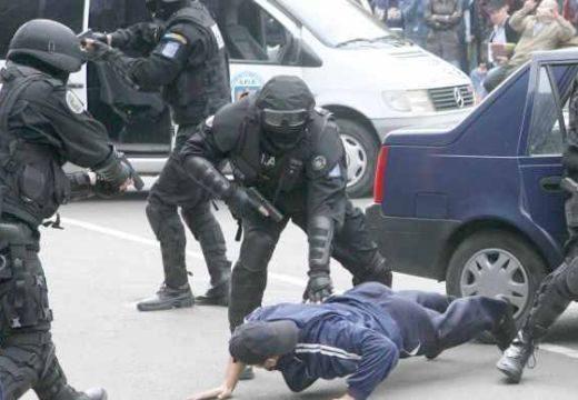 Lövés dördült! Izgalmas üldözés menekülő tolvajokkal, rendőrökkel