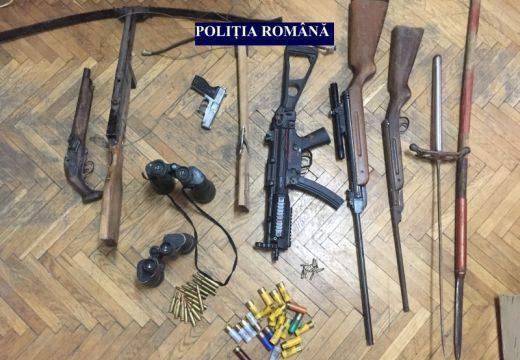 Házkutatás! Fegyverarzenálra bukkantak Maros megyei ingatlanokban