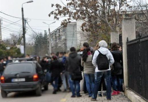 Hazazavartak diákokat Maros megyében, mert nem egyenruhában mentek iskolába