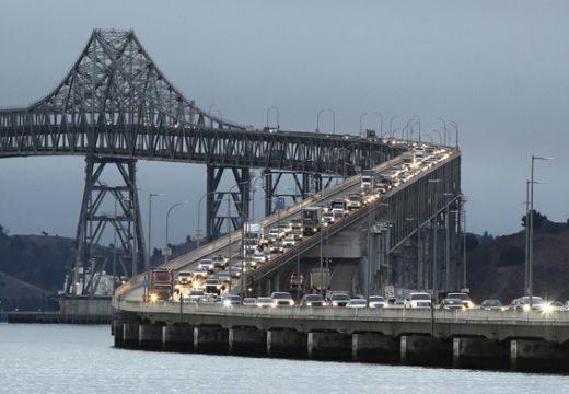 Egy tojás miatt leállt a hídfelújítás