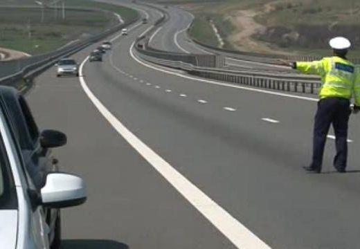 214 km/h-val mérték be az autópályán: itt a büntetés összege!