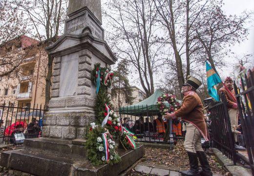 """Beindult az adok-kapok: Iohannis """"gyűlöletet kelt"""", Szijjártó """"provokál"""""""