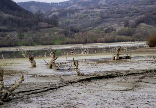 Víz nélkül a Bözödi tó: Szilveszter Zoltán fotóriportja