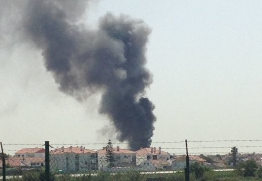 Lakóházaknál zuhant le egy kisrepülő – 5 halott!