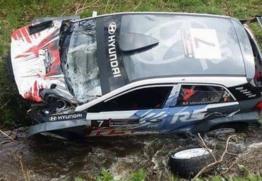 Balesetet szenvedett a Transilvania Rally egyik versenyzőpárosa