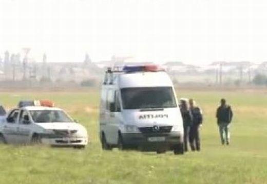 Szerencsétlen földet érés: az ejtőernyős katona meghalt