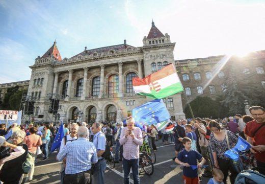 Nem maradunk csendben: tüntettek Budapesten