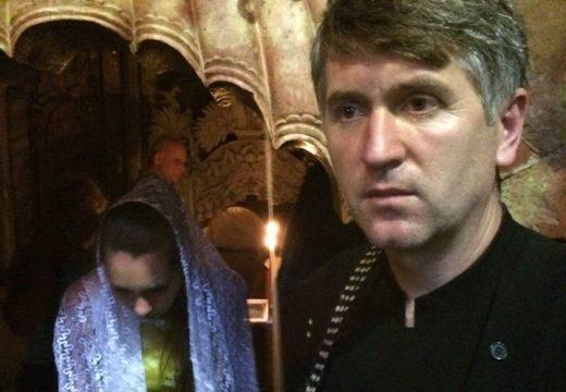 Szexuális kapcsolatot indítványozott egy Maros megyei pap egy 17 éves fiatalemberrel