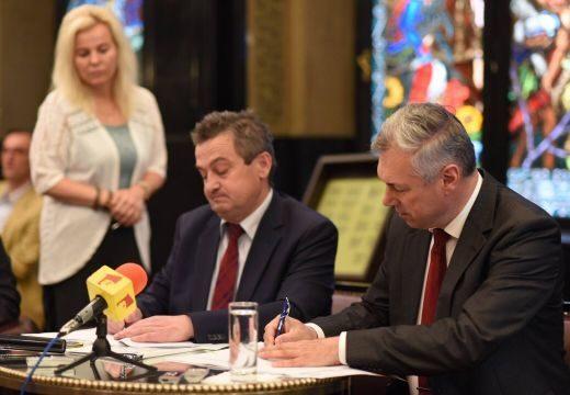 Aláírták a megállapodást a Kultúrpalotáról