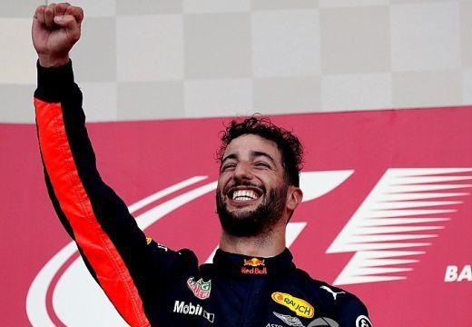 Azeri Nagydíj: Ricciardo nyert, Bottas a célnál előzte meg Strollt