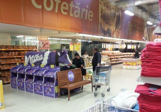 """Kevesebb gyümölcsszirup a Fantában, több """"E"""" a Milka csokiban Romániában"""