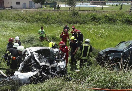Magyar rendszámú személyautó karambolozott Romániában – mind a 4 utas meghalt