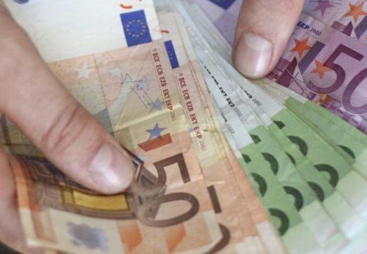 Több százezer eurót felejtettek egy benzinkúton