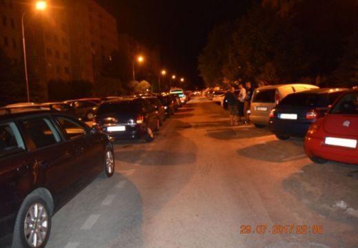Végigszántotta a parkoló kocsikat a csaprészeg sofőr