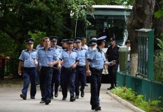 Rendőrök érettségiznek