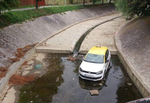 Taxi a Poklos-patakban