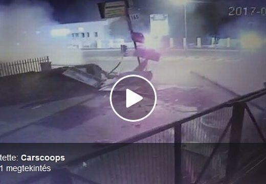 Döbbenetes videó az év legbrutálisabb autóbalesetéről