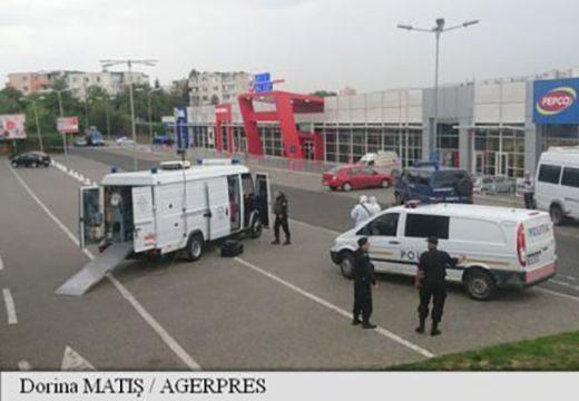 Felrobbantották a gépkocsi alá elrejtett gyanús csomagot Marosvásárhelyen