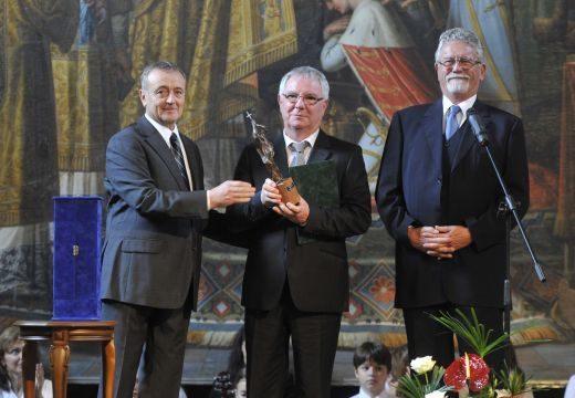 Rangos kitüntetés a Duna Televíziónak