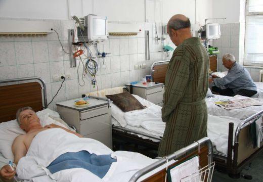 Óriási adósságok miatt egyes betegek csak krumplipürét kaptak enni a kórházban