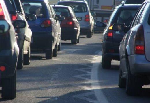 Újabb adó kifizetésére köteleznék az autótulajdonosokat