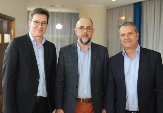 """Az MSZP miniszterelnök-jelöltje Kelemen Hunornál. """"Az erdélyi magyarok tudják, kire szavaznak"""""""