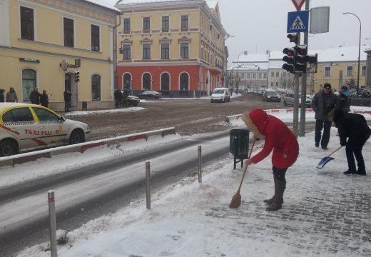 Fennakadások az autós közlekedésben Marosvásárhelyen, a parajdi sóbánya dolgozóinak sztrájkja miatt