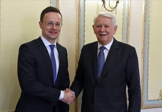 Marosvásárhelyi iskolaügy és Budapest-Kolozsvár gyorsvasút a külügyminiszteri találkozó napirendjén