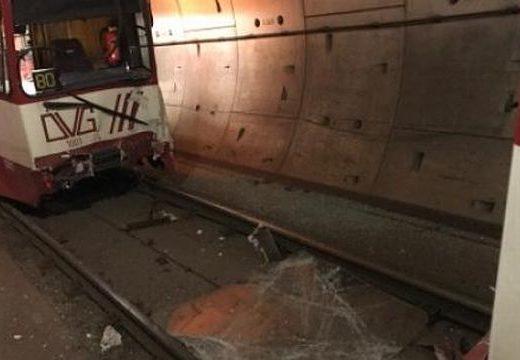 Összeütközött két villamos a németországi Duisburgban, több mint 20 ember megsérült