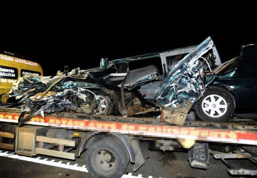 Élőben közvetítette a 9 halálos áldozatot követelő balesetet a Maros megyei kisbusz sofőrje az egyik közösségi portálon